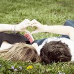 Привязанность в отношениях и ее типы